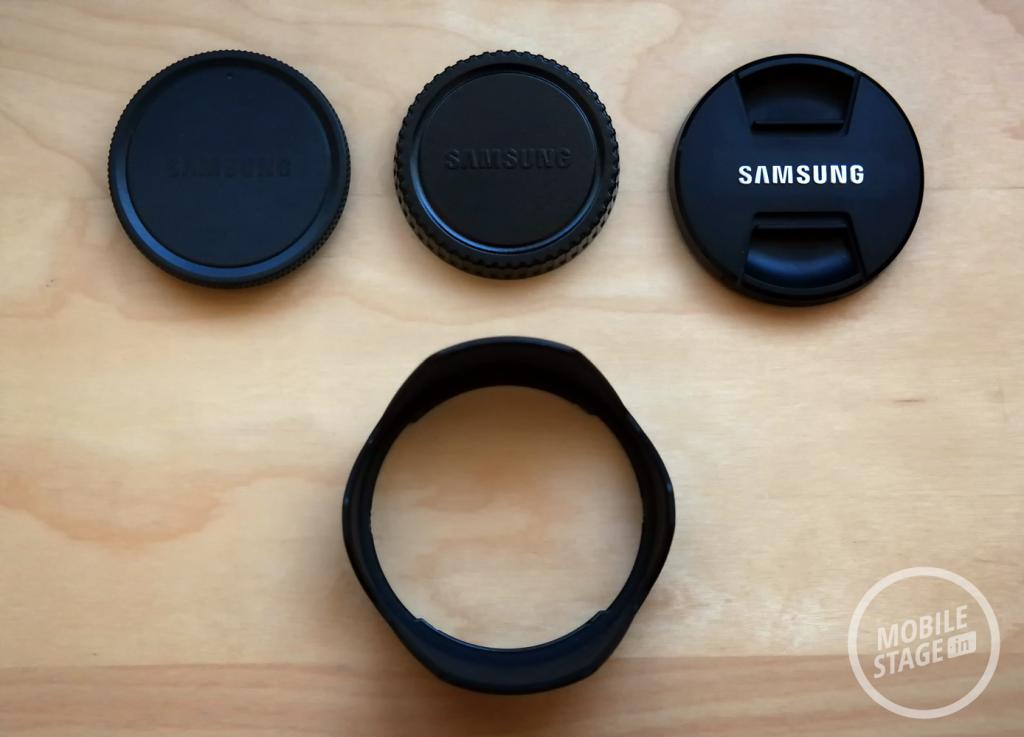 Samsung GALAXY NX - zawartość opakowania 2
